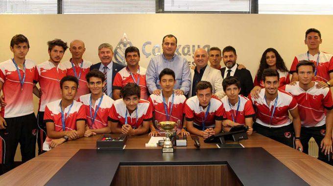 Şampiyon Sporculardan Taşdelen'e Ziyaret