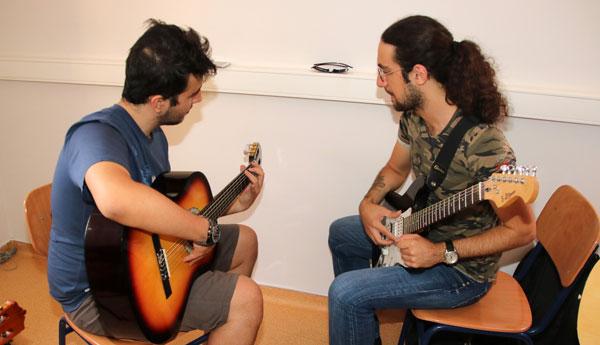 Gitar040818_a
