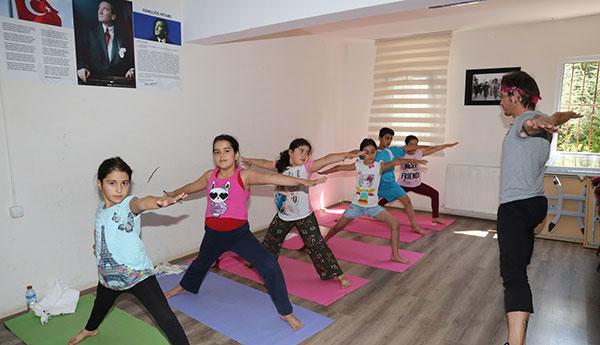 Yoga 060818a