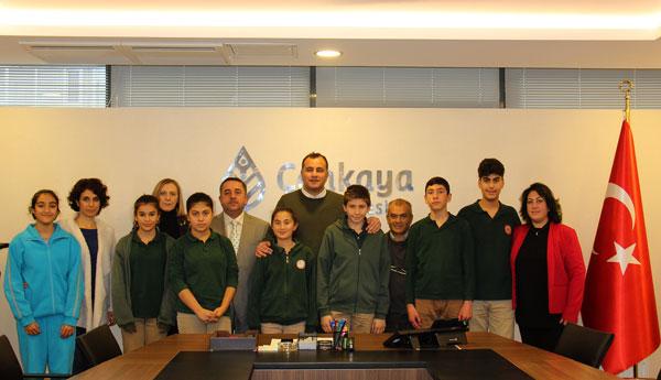 Öğretmen Ve Öğrencilerden Taşdelen'e Teşekkür